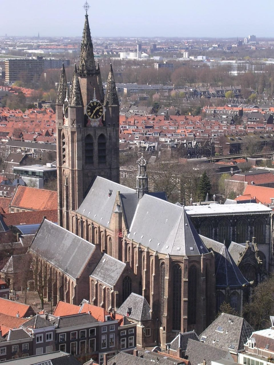 varen langs de oude kerk Amsterdam