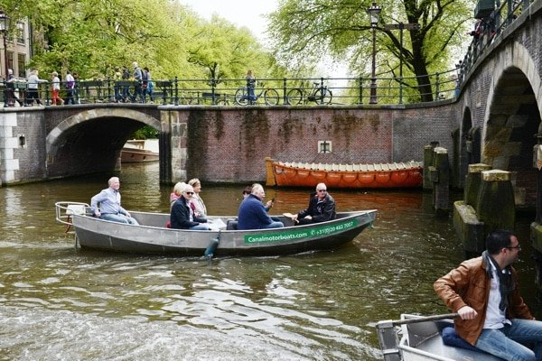 amsterdam canals rent a sloop