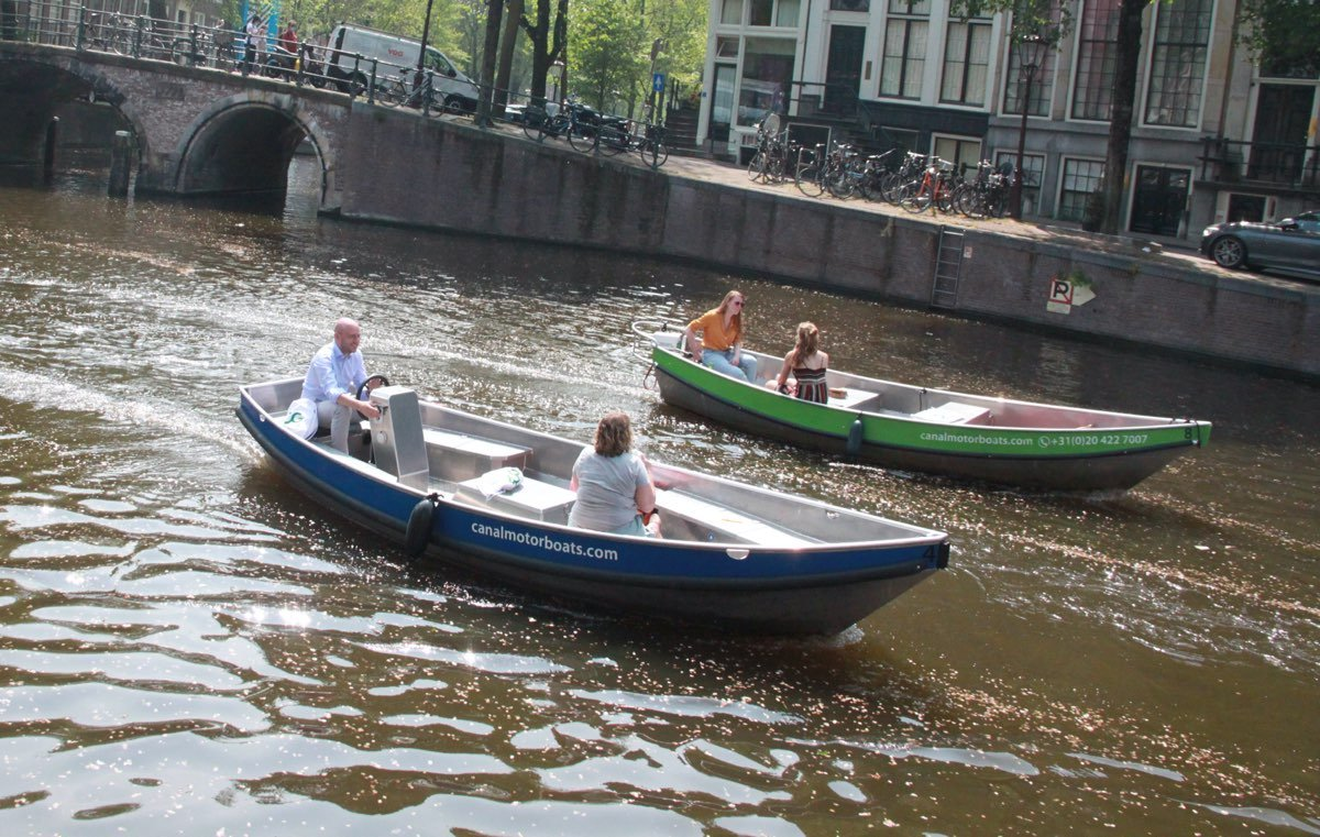 amsterdam canals boat rental